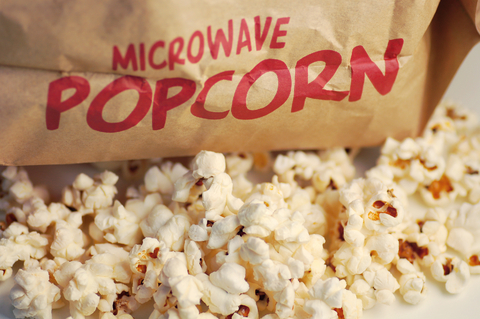 Microwave-Popcorn_Delicious-but-Dangerous